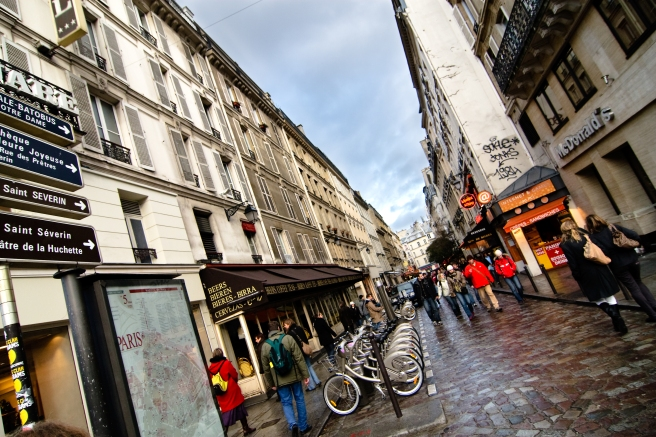 Wet_Paris_streets_(3898811090).jpg