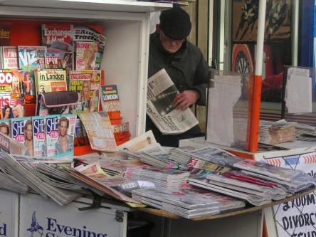 newspapers-677393_1280